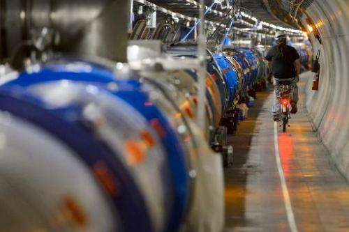 A fragment of metal in one of the Large Hadron Collider's (LHC) magnet circuits has delayed putting the machine back into servic