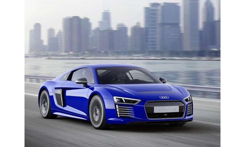 Audi R Etron Aims For High Performance And Selfdriving Tech - Audi r8 e tron