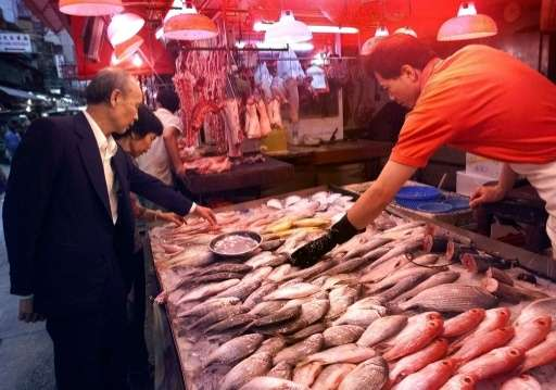 China's per capita annual seafood consumption rose some 40 percent between 2000 and 2011 to 14.62 kilos, the OECD reports