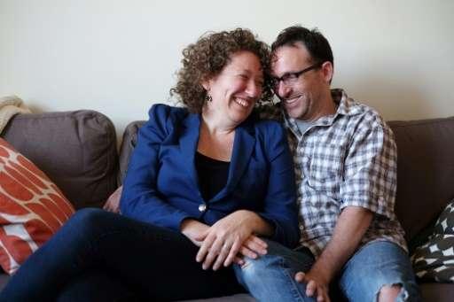 Emily Helfgot and her husband Robert Weinstein  who met each other through an online dating