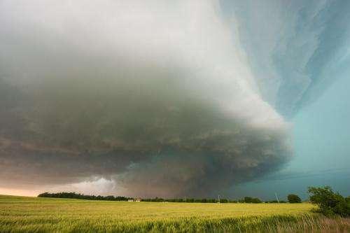 Frequency of tornadoes, hail linked to El Niño, La Niña