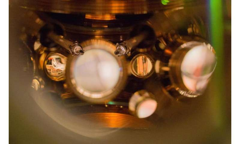 Getting better all the time: JILA strontium atomic clock sets new records