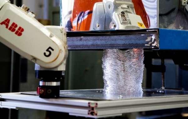 Glass robotics lab pioneers new 3-D printing process