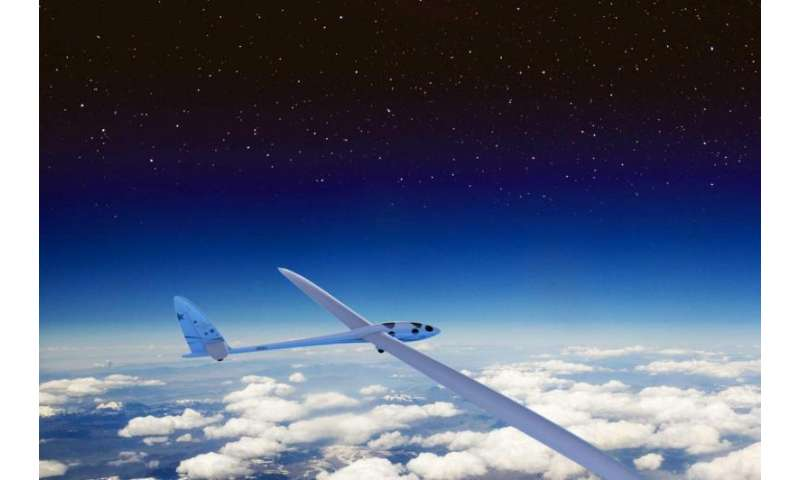 Glider pilots aim for the stratosphere