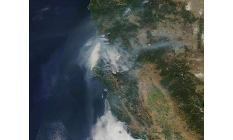 Image: Blanket of smoke from Northern California fires