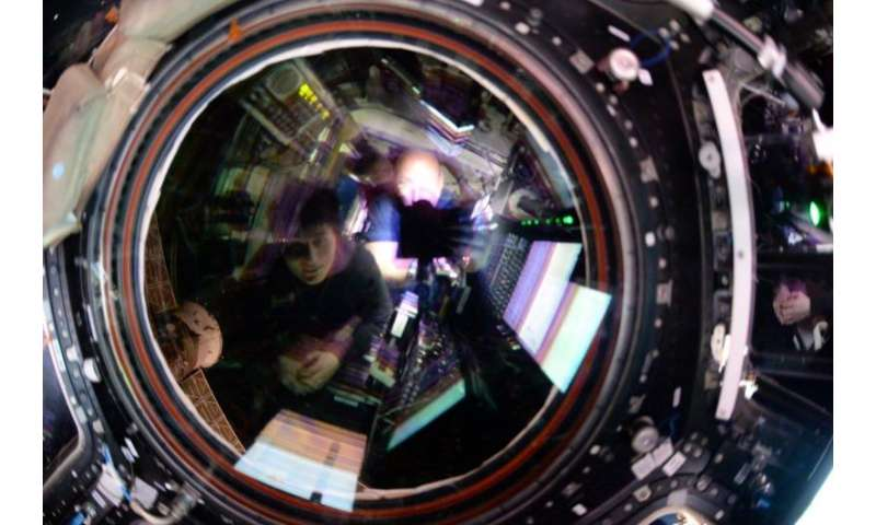 Image: Reflecting on a spacecraft arrival