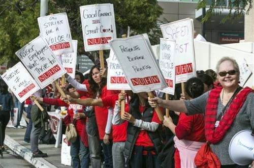 Kaiser's 2,600 mental health workers strike in California