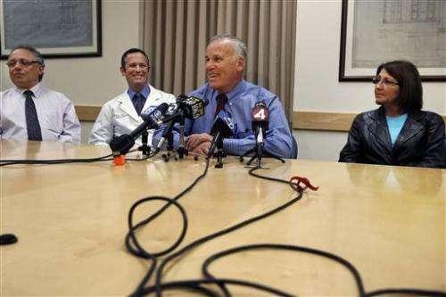 Last surgeries underway in 12-person kidney transplant chain