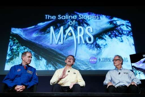 L-R: John Grunsfeld, associate administrator NASA's Science Mission Directorate, Jim Green, director of planetary science at NAS