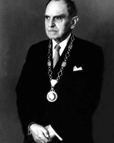 Portrait taken 3 march 1959 German physical chemist Otto Hahn, decorated with chain of president of Max-Planck-Society, for his