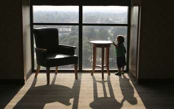 Research investigates how infants learn to become wary of heights