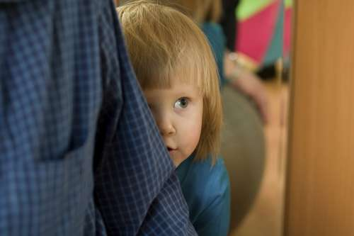 Shy Babies Need Secure Parent Bond To >> Shy Babies Need Secure Parent Bond To Help Prevent Potential Teen