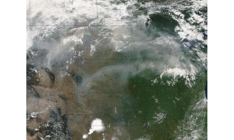 Smoke from western fires wafts eastward