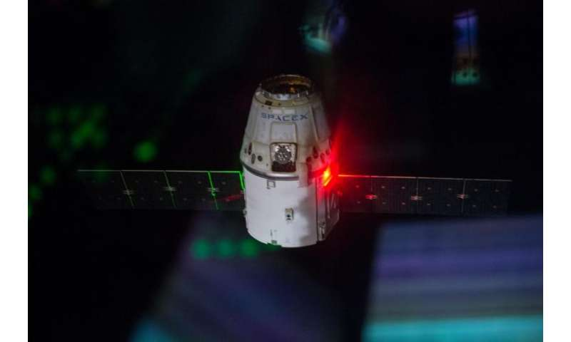 SpinSat and things that slither splashdown with end of sixth SpaceX mission