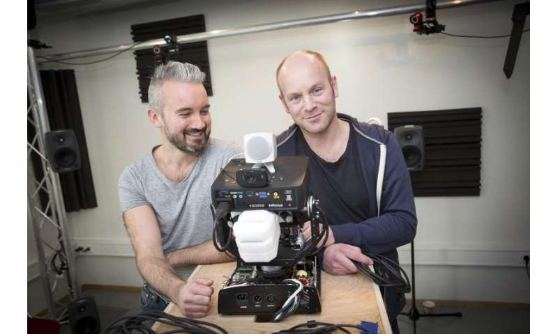 The robot that learns everything from scratch