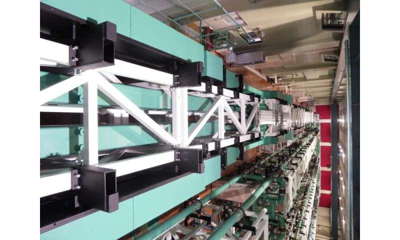 World-largest petawatt laser completed, delivering 2,000 trillion watts output