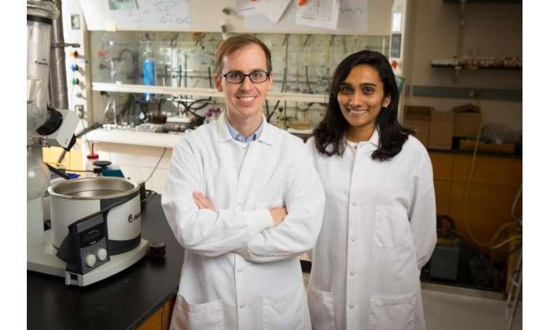 Glow-in-the-dark dye could fuel liquid-based batteries