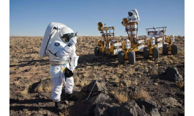 Microscope will seek biological samples on red planet
