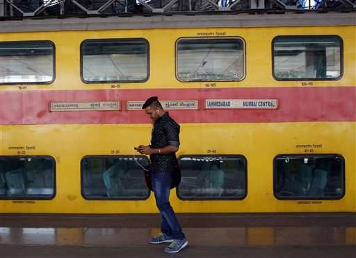 Mumbai travelers log on as Google starts train station Wi-Fi