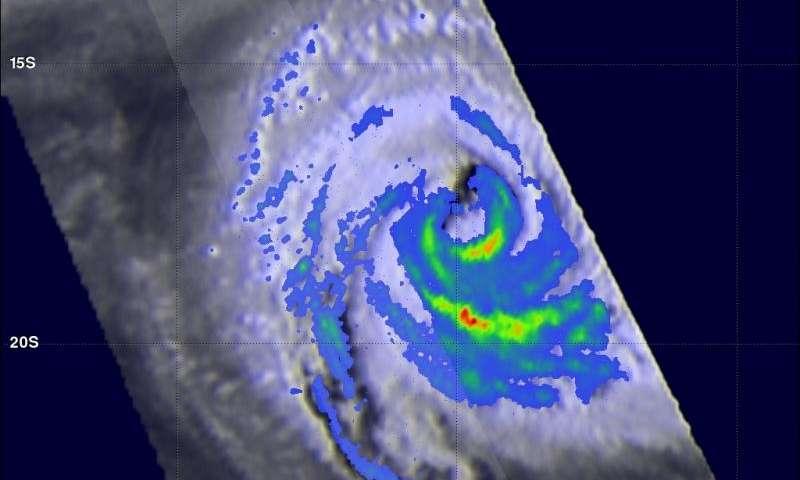 NASA catches Tropical Cyclone Uriah nearing peak