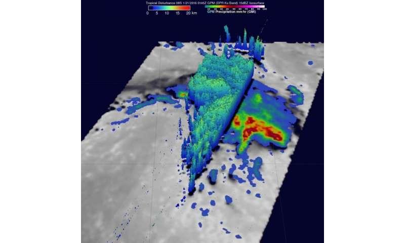 NASA measures rainfall in newborn Tropical Cyclone Corentin