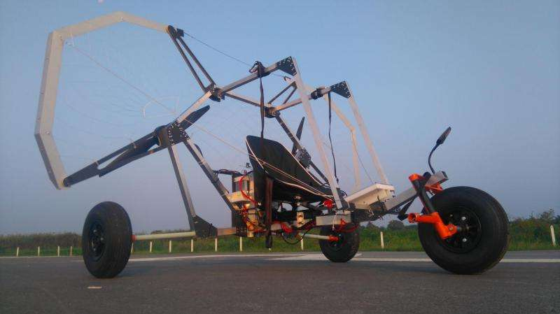 Students build the world's lightest electric paraglider trike