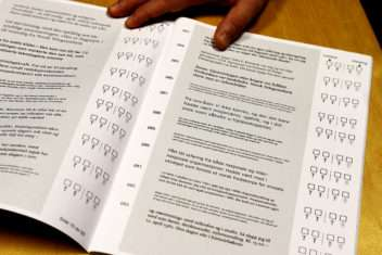 What makes print more readable for the visually impaired?