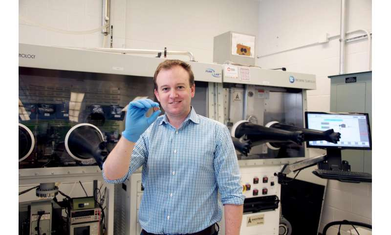 University of Toronto chemists create vitamin-driven battery