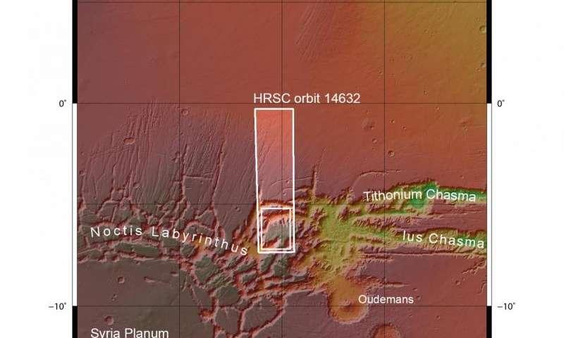 Image: Martian labyrinth