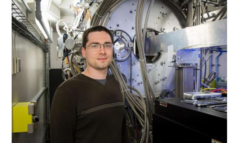 Researchers use neutrons to gain insight into battery inefficiency