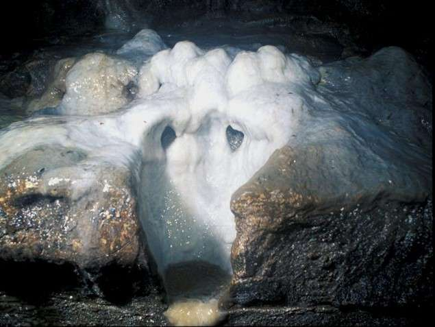 Stalagmites in Indiana cave may record past earthquakes