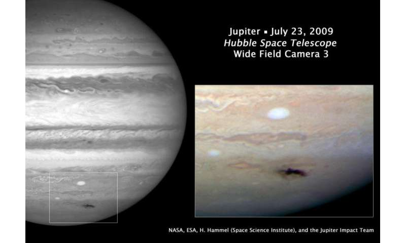 Amateur astronomer spots large impact on Jupiter