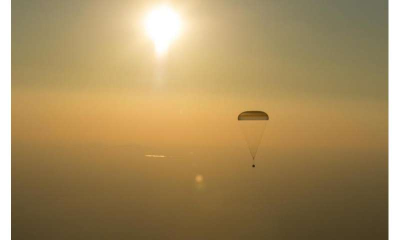 Image: Expedition 48 crew returns home