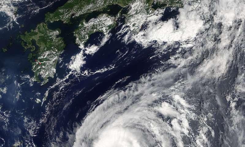 NASA sees Tropical Storm Lionrock sonsolidating