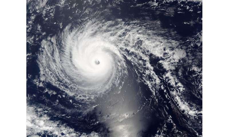 NASA sees Hurricane Lester approaching Hawaiian Islands