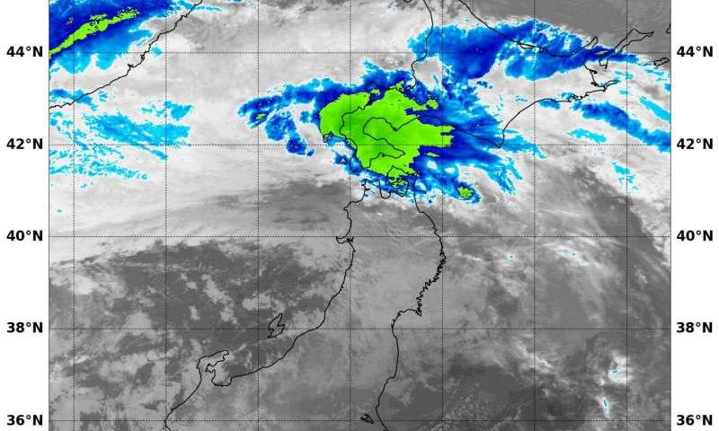 NASA's Terra satellite spies tropical storm weakening Lionrock over Hokkaido