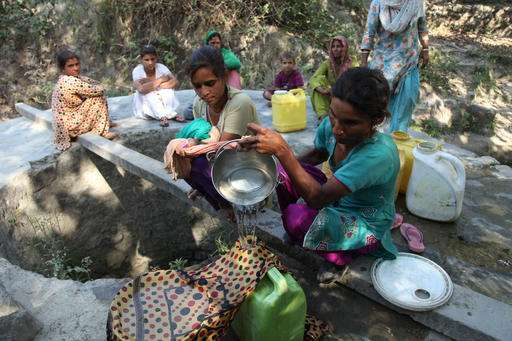 Parts of India ban daytime cooking as hundreds die of heat