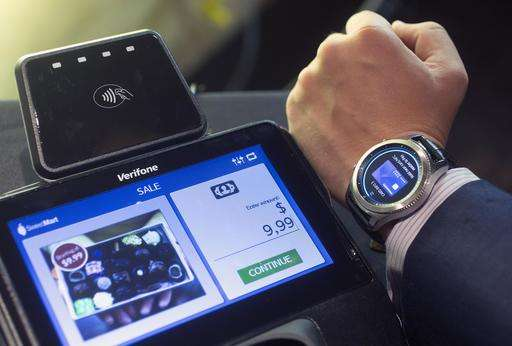 Samsung updates smartwatch, Lenovo ditches laptop keyboard