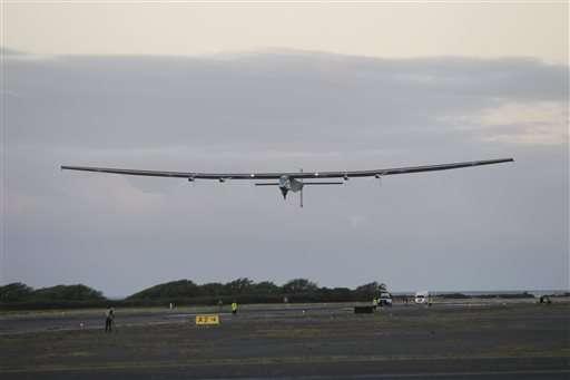 Solar plane slowly soaring from Hawaii to California