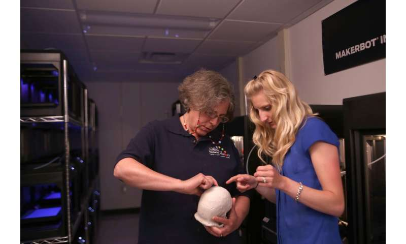 Student uses 3-D printers to recreate and date fossils of new human species