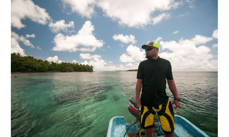 Conservation scientists help fish catch a break in Pohnpei