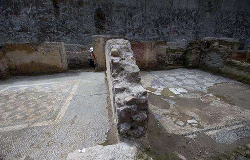 Rome metro line runs into Roman barracks and burial ground