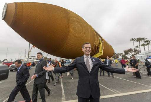 Space shuttle tank to be hauled to Los Angeles museum