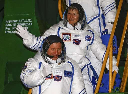 Rocket carrying crew of 3 blasts off for Int'l Space Station