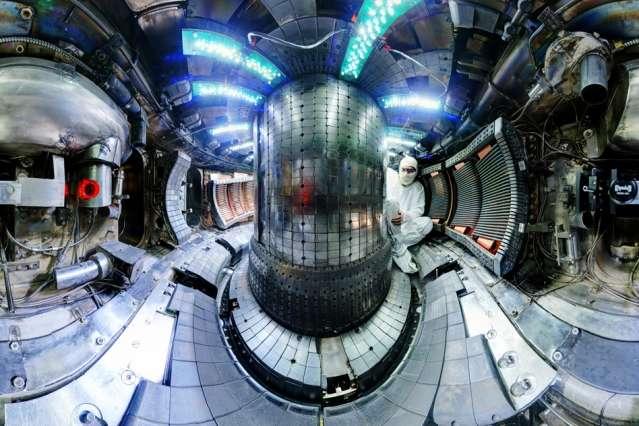 Alcator C-Mod tokamak nuclear fusion reactor sets world record on