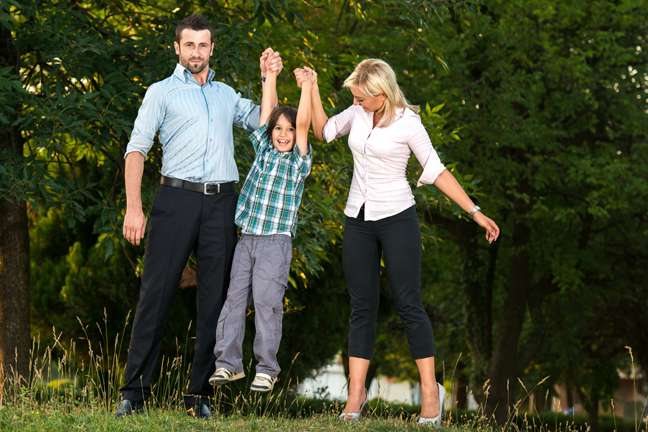 All work and no play with children make moms less happy parents
