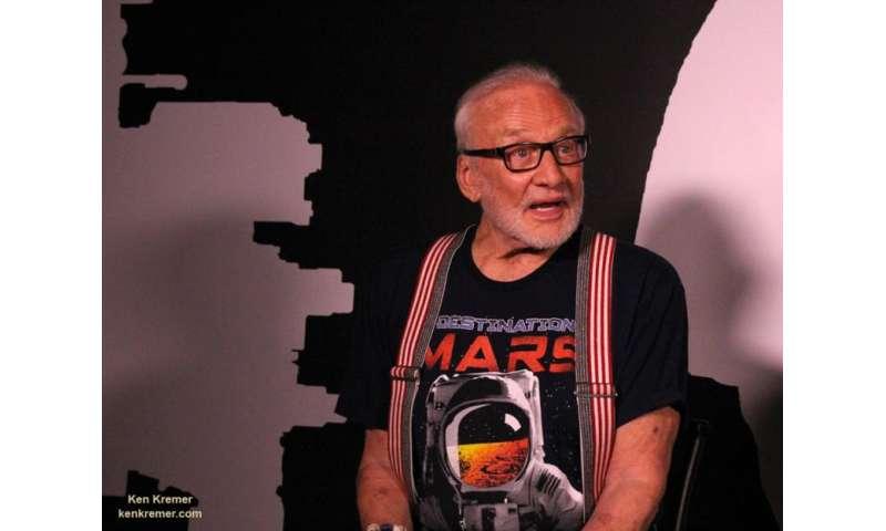 Apollo 11 moonwalker Buzz Aldrin discusses 'Destination Mars'