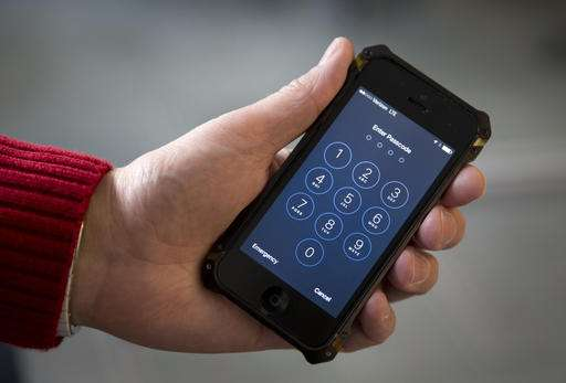 Apple and US government head to court over iPhone hack order