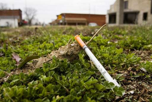 Drug epidemic stalls HIV decline in whites who shoot up