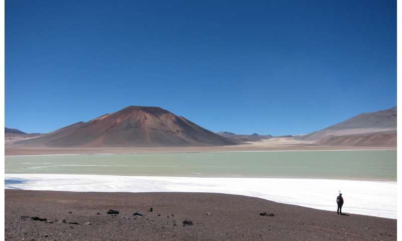Enormous dome in central Andes driven by huge magma body beneath it